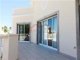 Image No.21-4 Bed House for sale