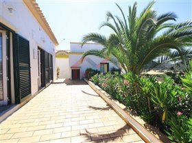 Image No.11-7 Bed House for sale