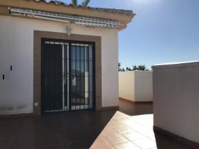Image No.14-3 Bed Villa / Detached for sale