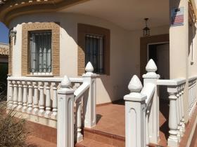 Image No.15-3 Bed Villa / Detached for sale