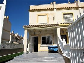 Image No.21-3 Bed Townhouse for sale