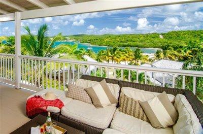 Suite-Balcony--Custom-