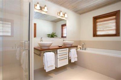 Apt1BR_Bathroom_HR6_4--3-