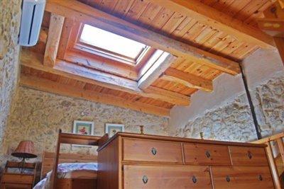 Mezzanine-bedroom_1
