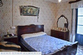 Image No.30-3 Bed Property for sale