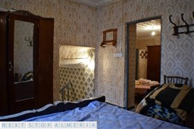 Image No.31-3 Bed Property for sale
