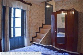Image No.32-3 Bed Property for sale