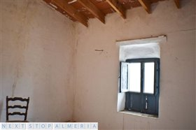 Image No.42-3 Bed Property for sale
