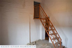 Image No.43-3 Bed Property for sale
