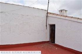Image No.47-3 Bed Property for sale