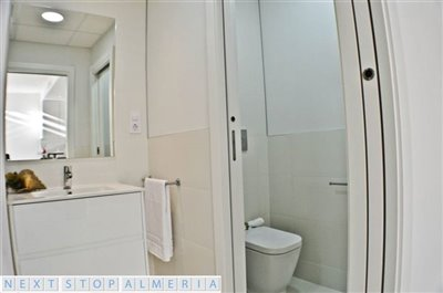 Bathroom with access from the master bedroom and hallway
