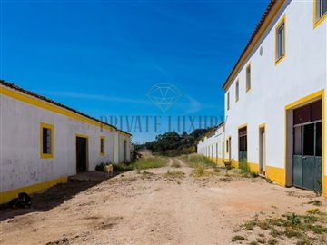 1 - Campo Maior, Farmhouse