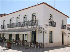 Moura, Property