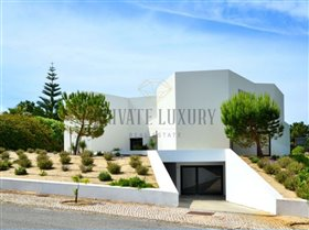Image No.8-9 Bed House for sale