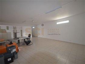 Almada, Property
