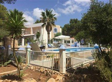 1npazm6syz3huis-met-grote-tuin-en-zwembad-in-