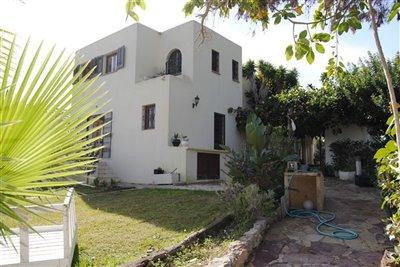 uis40i91ftdfantastic-rousic-house-near-santa-
