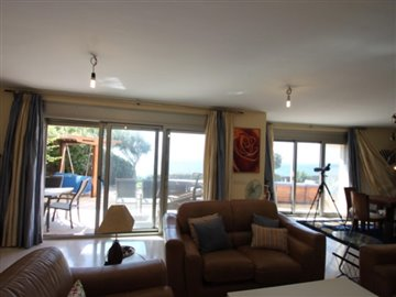 d57zcfbepzo4-bedroom-apartment-in-first-line-