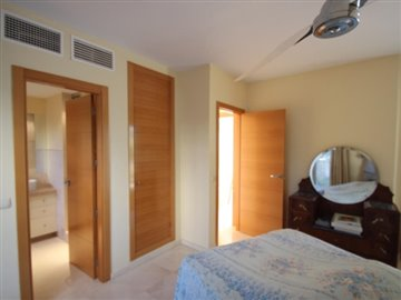 bqxmmei052s4-bedroom-apartment-in-first-line-