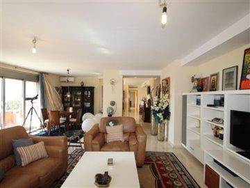 7eclfbqc4p74-bedroom-apartment-in-first-line-