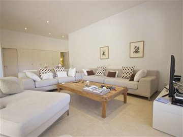 rpx5nahjatexcellent-modern-villa-close-to-the