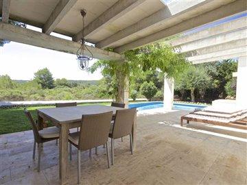2lbfrbjt17texcellent-modern-villa-close-to-th