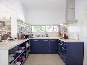 utm6hizf0vexcellent-modern-villa-close-to-the