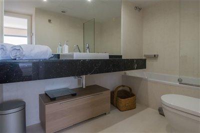 4iwucbhvtziluxurious-apartment-with-2-bedroom