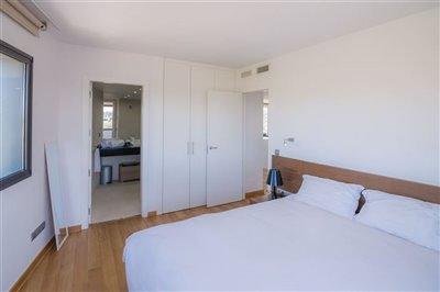 desz883bkolluxurious-apartment-with-2-bedroom