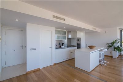 fgkhn812qabluxurious-apartment-with-2-bedroom