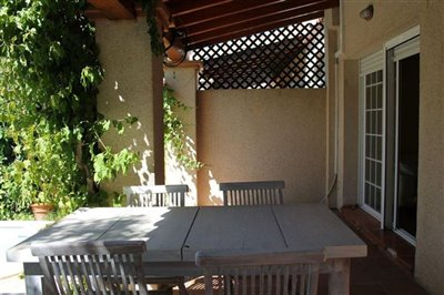 fhm8uqfc85csuperb-townhouse-situated-in-talam