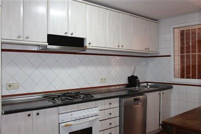 30gbejcm6x2superb-townhouse-situated-in-talam