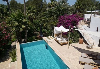 t6kxf5rugxamazing-villa-for-sale-situated-in-