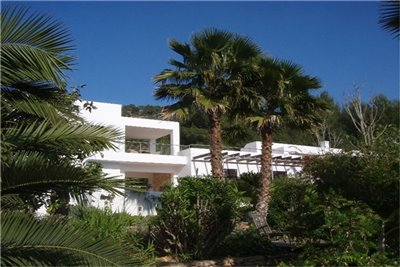 lakq460dcjgamazing-villa-for-sale-situated-in