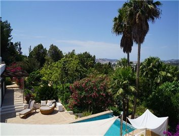 only1mdt68amazing-villa-for-sale-situated-in-