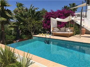 rw0ndx8h5ppamazing-villa-for-sale-situated-in