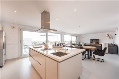 sqj75atgumunique-penthouse-for-sale-situated-