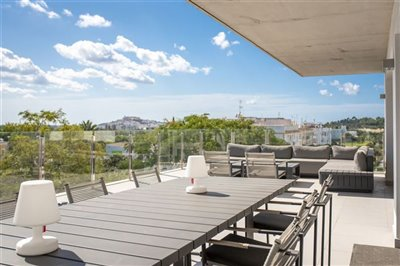 hy9azoqc3qvunique-penthouse-for-sale-situated