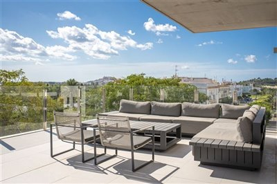 i74gz39tgegunique-penthouse-for-sale-situated