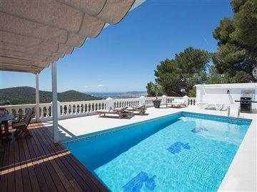 vofrwbbkcqobeautiful-villa-with-great-pool-ar