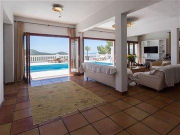 28j63rsuzf1beautiful-villa-with-great-pool-ar