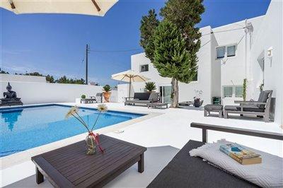 jxs1vbh633exceptional-villa-has-recently-been