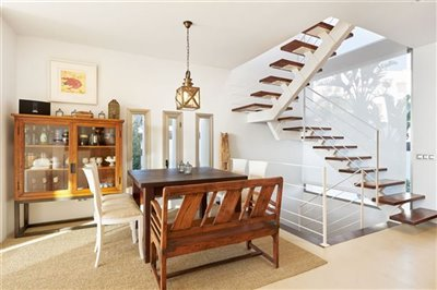 iyt230chaabeautifully-restored-townhouse-with