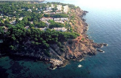 0rrz8vcyi4udfrontline-villa-with-sea-views-si