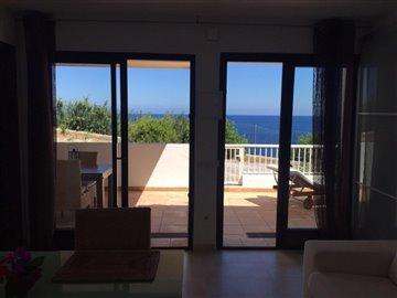 by95k93b17frontline-villa-with-sea-views-situ
