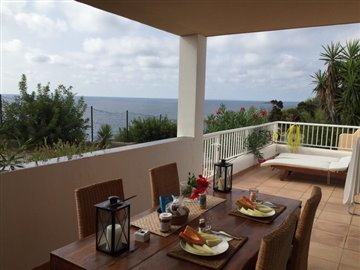 n37m5gja7qffrontline-villa-with-sea-views-sit