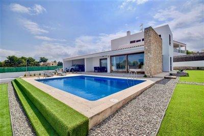 1jfe054yflxmodern-house-with-touristic-licenc