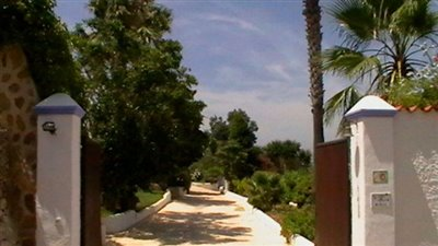 7h6lj13jx3ubeautiful-authentic-finca-with-gue