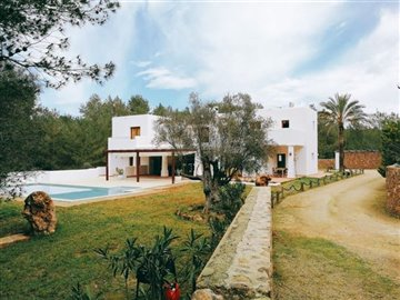 ua4wblhw89bspectacular-house-en-ibicenco-styl