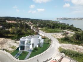 Image No.0-Maison / Villa de 4 chambres à vendre à Obidos